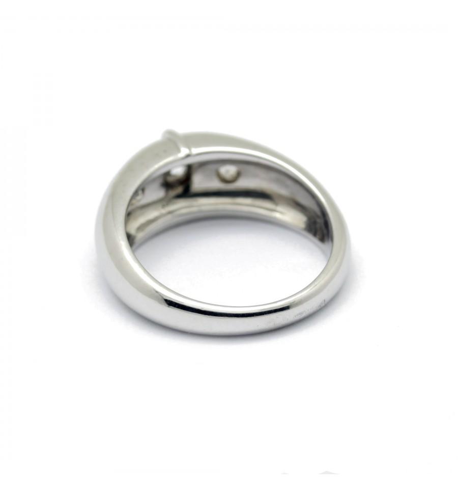 bague demi jonc 3 diamants sur or blanc un si cle de bijoux. Black Bedroom Furniture Sets. Home Design Ideas