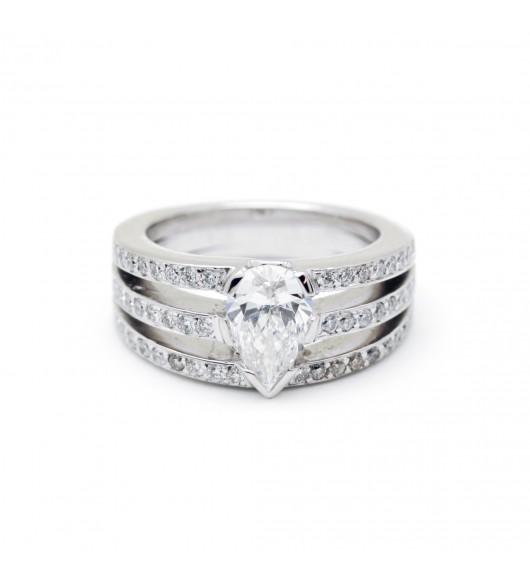 Solitaire 3 rangs - Diamant poire 1,02 carats
