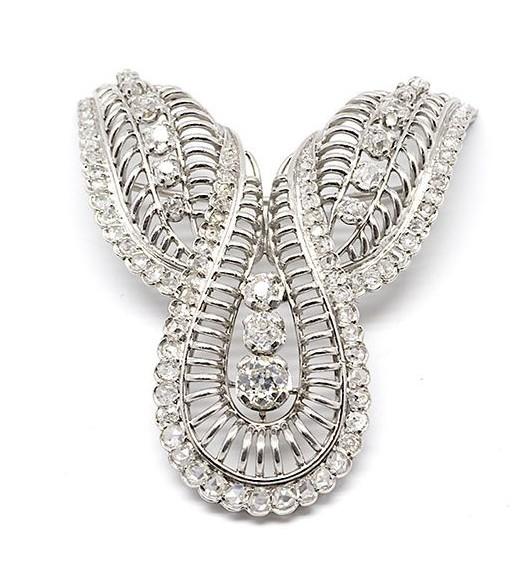 Broche années 60 platine et diamants